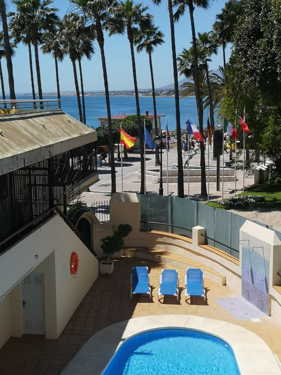 Apartment for sale in Marbella. €400,000